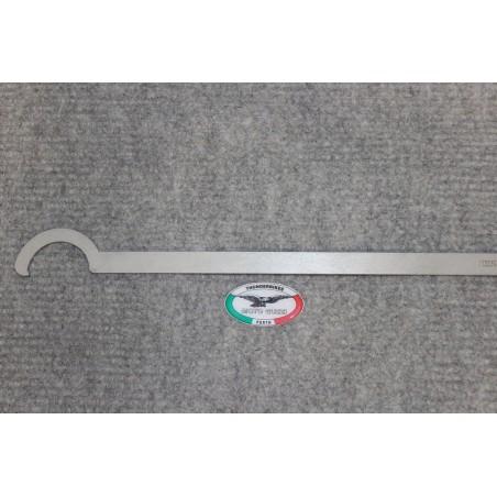 Tool exhaust lock nuts loop frames